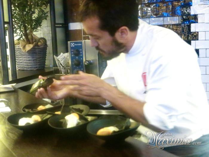 Alvaro Villasante finalizando la tapa
