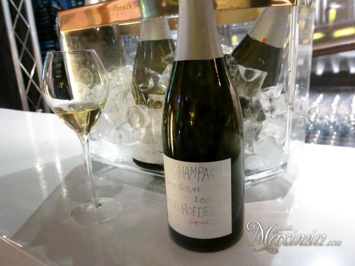 Disfrutando del champan  Louis Roederer
