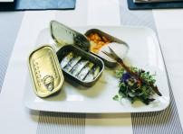 Ensalada de boquerones en escabeche de verduras y criticos con aire de hierba de limon_1_Delirios