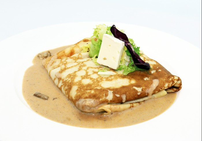 Crepe de camembert con boletus_Lunch&Dinner