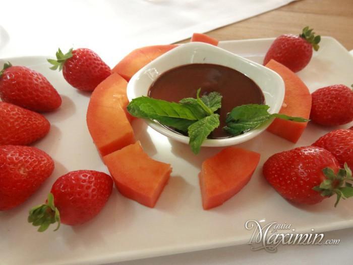 fondue de frutas y chocolate