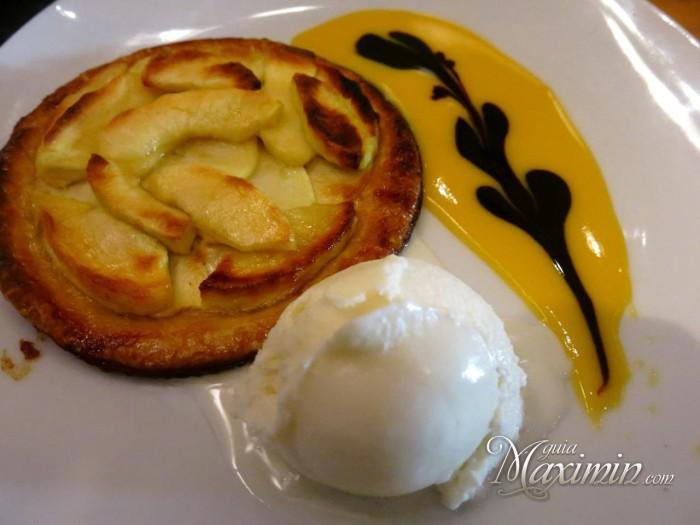 tarta de manzana con helado de canela