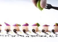 Ceviche de corvina, aceitunas en dos texturas y jengibre confitado_Clandestino gastrobar