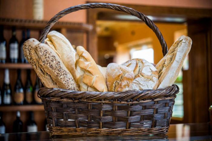 Cesta de panes, Pastelerías Lyon