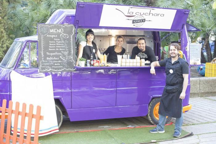 La-Cuchara-Street_Food-truck-en-MadreEat-91-1024x683-700x467