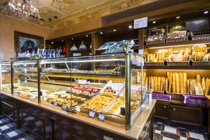 Mostrador dulce y panes, Pastelerías Lyon