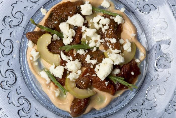 Oricios, aceituna, queso fresco_Casa Gerardo
