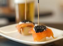 Josefino tronco palmito lomo de salmon ahumado y caviar