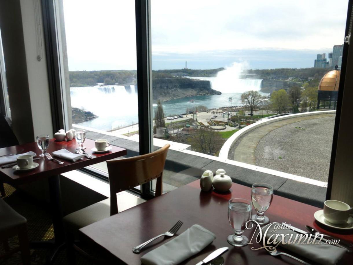 Buffet restaurante del Crowne Plaza Cataratas del Niágara (Canadá)