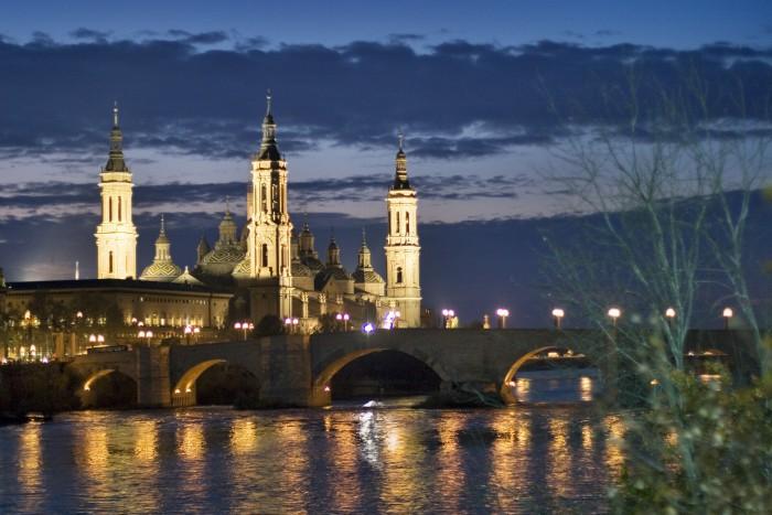 3- Vista nocturna Basílica del pilar con Ebro. (Daniel Marcos)