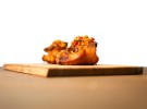 Orejitas de cochinillo confitadas y crujientes con chimichurri_Lubora (3)