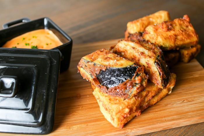 Taquitos de berenjenas fritas con almogrote gomero_Lubora