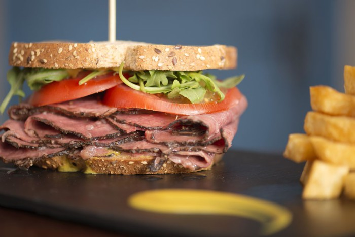 Sándwich de pastrami - La Rollerie
