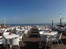 Ewan Beach Club en la playa de Salinas (Asturias)