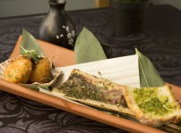 El Hueso y la Concha, tuétano de vaca gallega y vieiras gallegas empanadas, pesto de soja y tomillo y pan al horno, Oribu