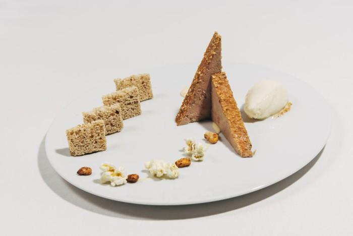 Terrina de hígado de pato de Villamartín con crema de maíz, kikos y helado de palomitas, Delirios
