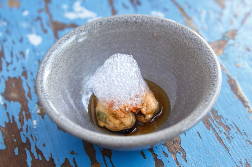 01. Degustación - Mejillones en escabeche con crudité de verduras y aire de limón (1)
