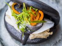 Bao de calamar y alioli de wasabi, Kena
