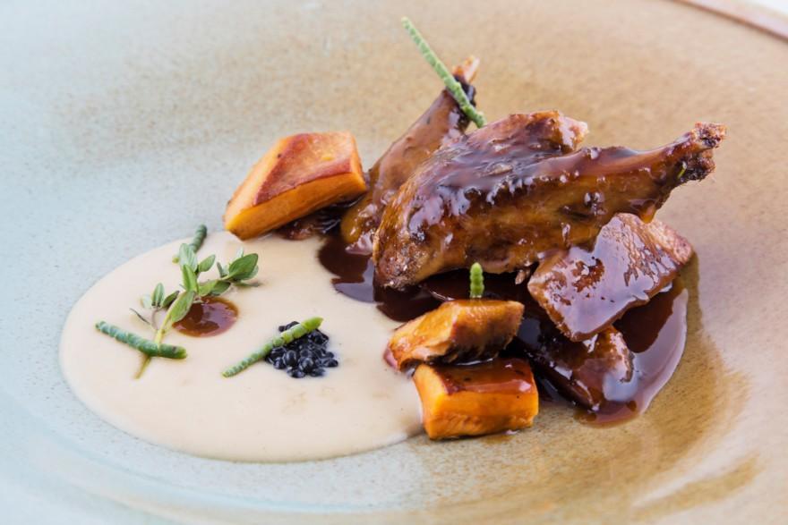 Pato azulón asado al kamado con crema montada de patata_Castru El Gaiteru
