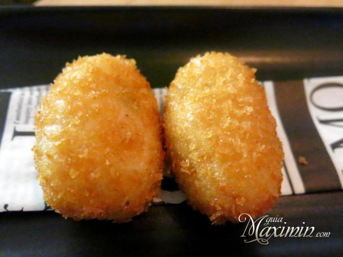 croquetas-cremosas-de-ibérico-fritas-en-pan-japonés-1024x768-700x525