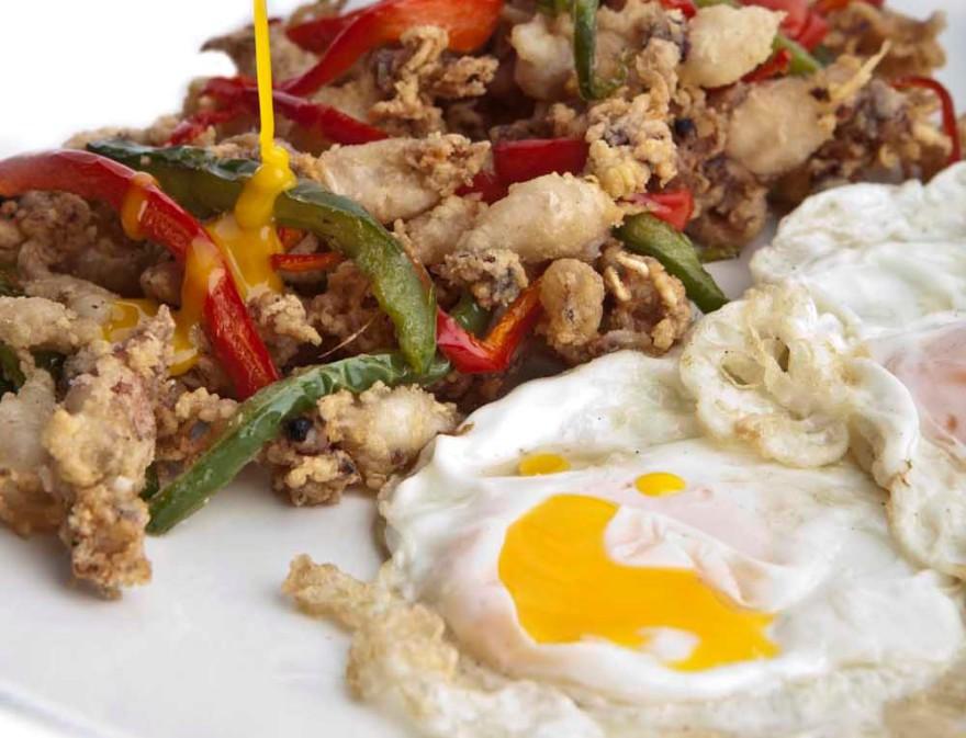 Huevos con chopitos - Los Galayos