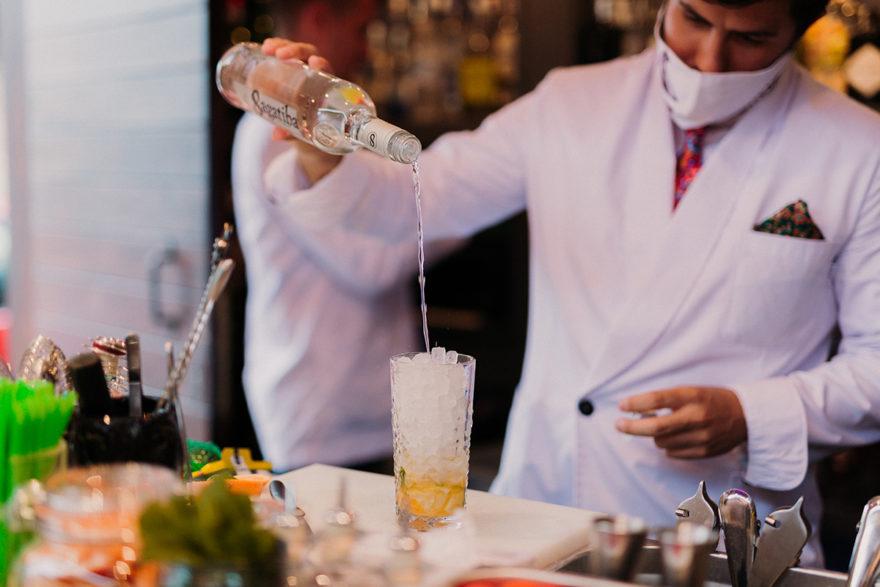 Bartender En Acción Varsovia Andrín 1 Mr