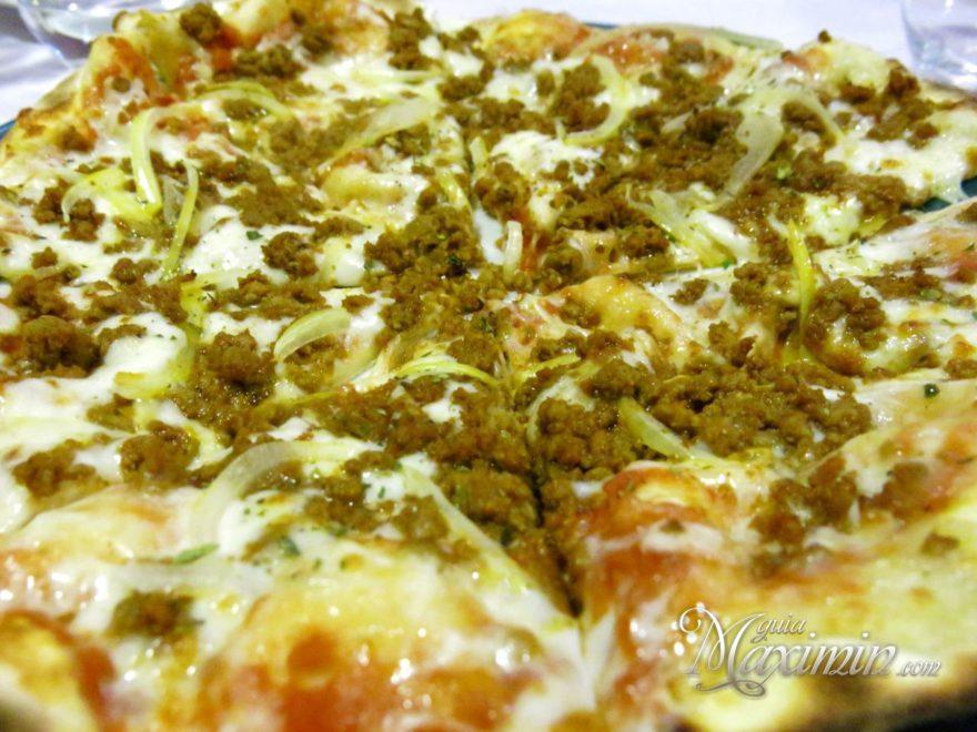 Pizza Bolonegsa