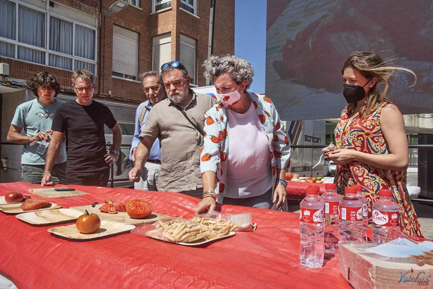 Jurado Concurso Mejor Tomate Del Mundo, Iii Feria Del Tomate Antiguo De Bezana