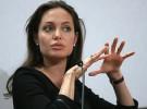 Angelina Jolie primero celosa y ahora quiere una relación más liberal