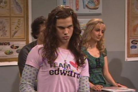 Taylor Lautner en Saturday Night Live