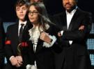 Los hijos de Michael Jackson recogen el Grammy de su padre