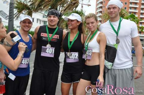 Kellan Lutz y AnnaLynne McCord en Puerto Rico