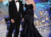 Kristen Stewart y Taylor Lautner disfrutan de los Oscar 2010 en la fiesta de Vanity Fair