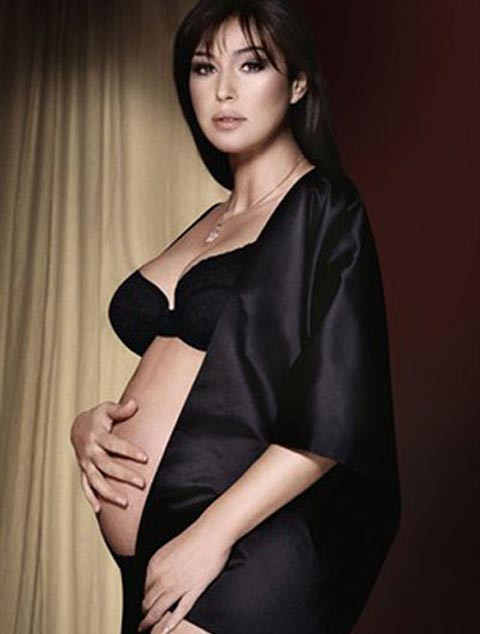 Monica Bellucci posa embarazada para Vanity Fair a sus 45 años