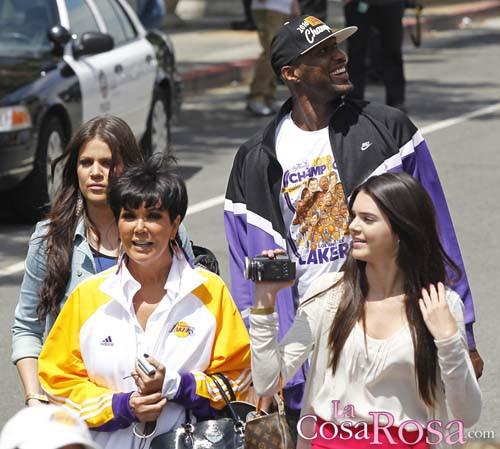 Khloe Kardashian, Kim Jenner, Kendell Kardashian y Lamar Odom