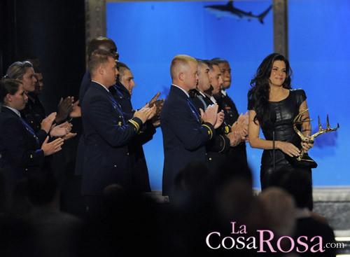 Sandra Bullock aparece por sorpresa en los Guys Choice Awards