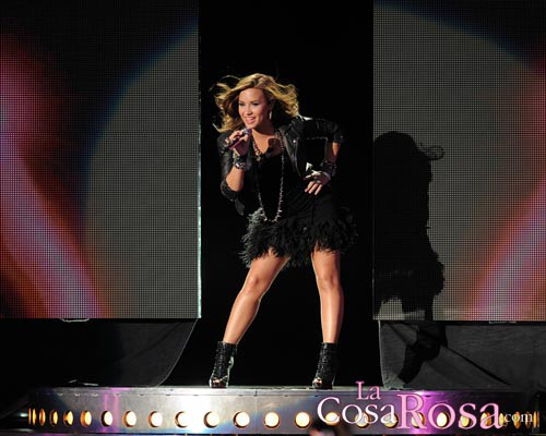 Demi Lovato en plena actuación