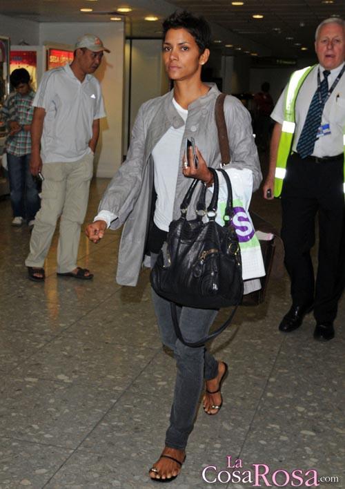 Halle Berry en el aeropuerto