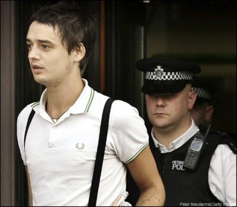 nueva acusacion para peter doherty: posesion de cocaina