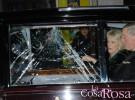 El coche oficial de Carlos de Inglaterra y Camilla, atacado por un grupo de estudiantes en Londres