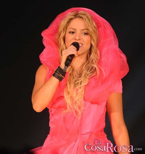 Shakira actuando en Londres