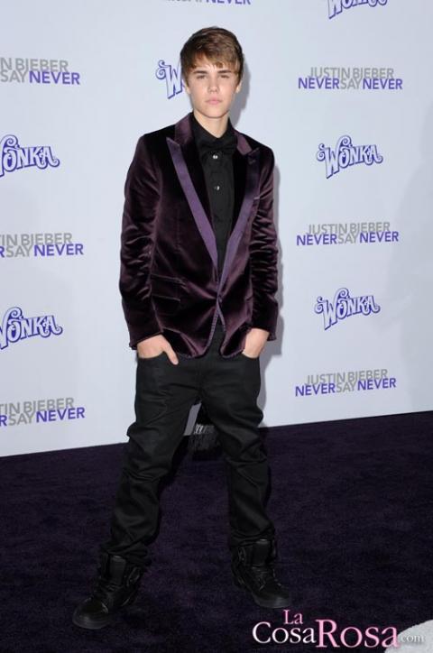 Justin Bieber y Selena Gomez, juntos en la premiere de Never Say Never en Los Ángeles