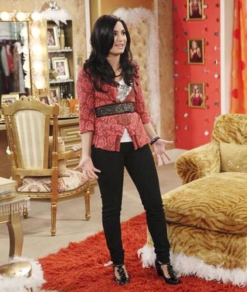Demi Lovato podría dejar Sunny entre estrellas definitivamente