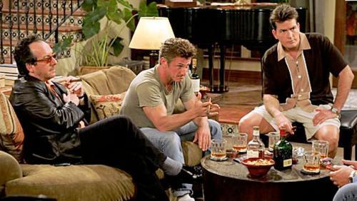 Sean Penn sale en defensa de Charlie Sheen