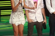 Selena Gomez con Justin Bieber presentado los Canada´s  MuchMusic Video Award