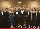 Kristen Stewart apoya a Robert Pattinson en la presentación de Cosmópolis