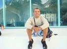 Fabian Zanzi, camarero de cruceros, denuncia a Travolta por acoso