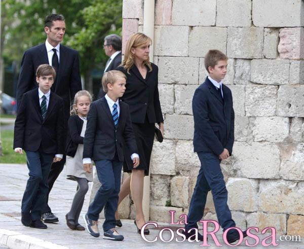 Los duques de Palma llegan a Barcelona con sus hijos