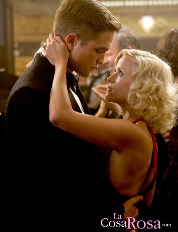 Robert Pattinson se esconde tras la infidelidad de Kristen Stewart