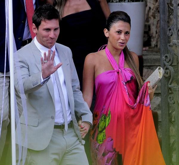 Leo Messi y Antonella Rocuzzo, padres de un niño